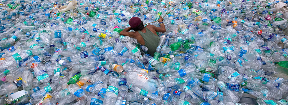 plastic-at-sea-bottles