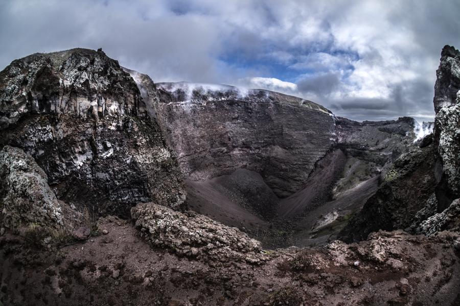 Reportage: Il Vesuvio, un gigante dormiente … di Immacolata Moccia
