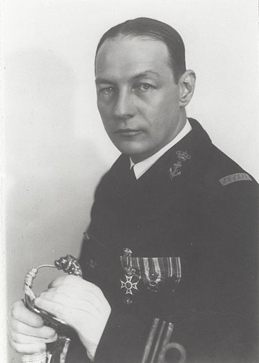 Karel_Doorman_as_lieutenant-commander