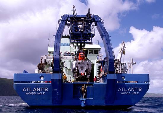 2.Atlantis II, la nuova nave appoggio dell'Alvin (C. Knight –WHOI)