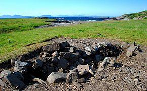 Ardnamurchan_boat_site,_by_Jon_Haylett