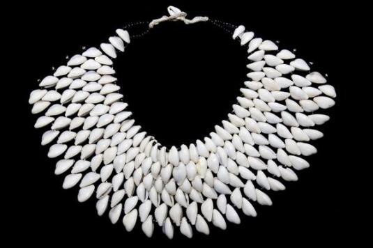cowrie-shells-necklace