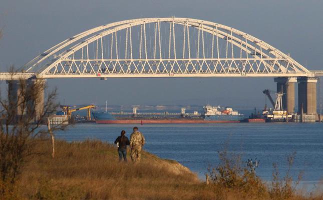 Geopolitica: Tensione nel mare d'Azov tra navi russe e ucraine di Andrea Mucedola