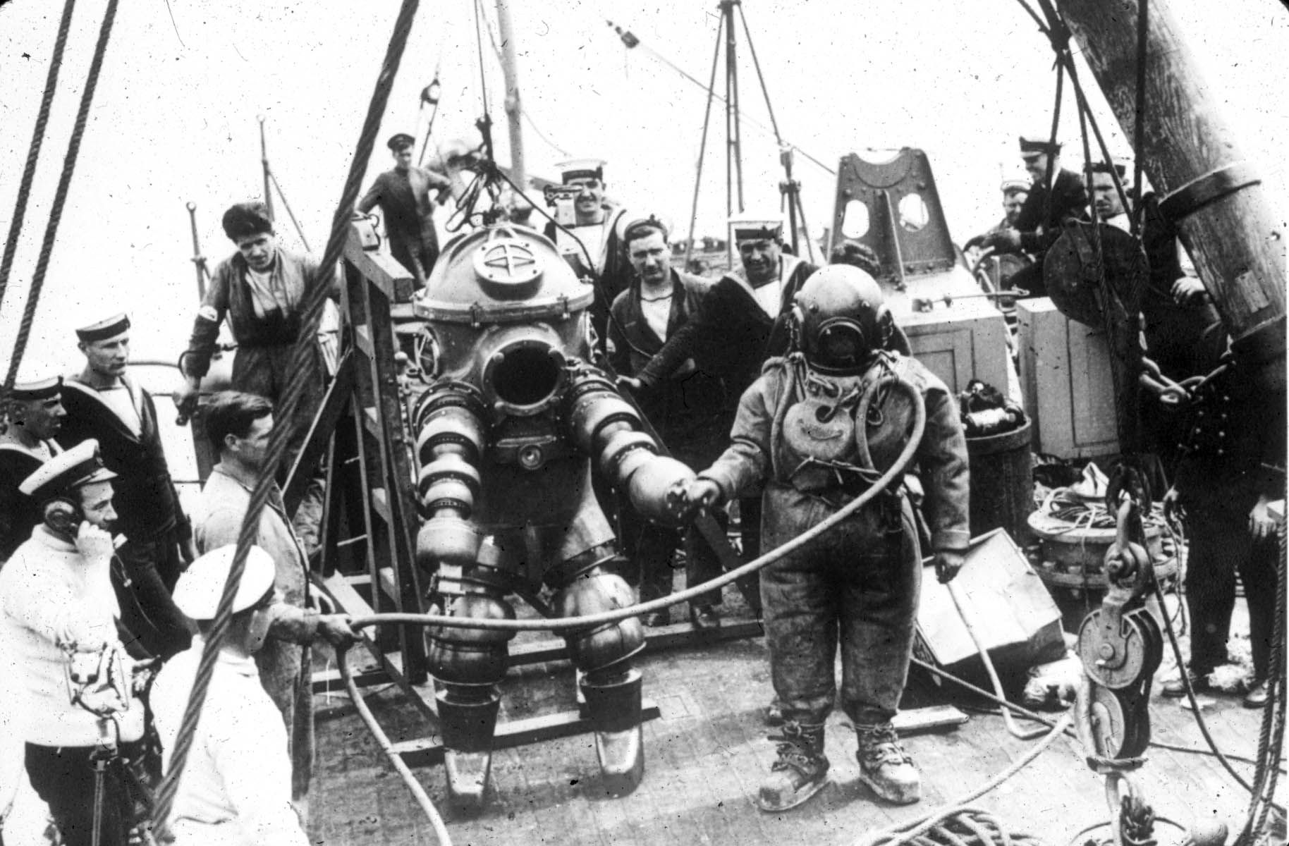 Breve storia dell'A.D.S. Atmospheric Diving Suit di Andrea Mucedola