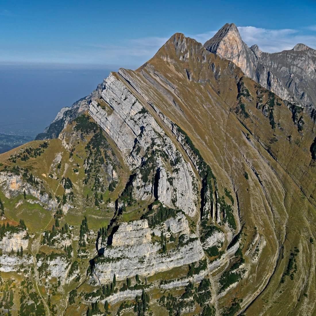 Che cosa è una piega in geologia? di Antonio Nirta