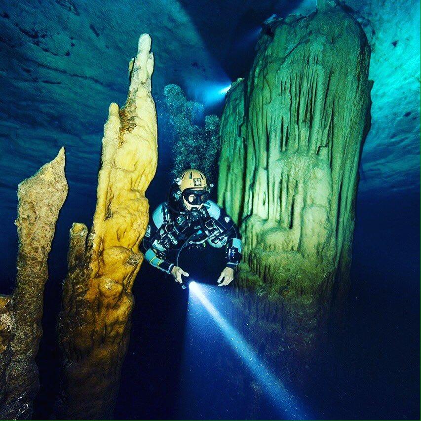 Esplorando le grotte delle Bahamas con Cristina Zenato