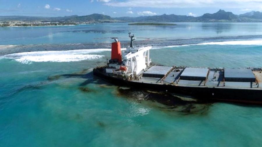 Disastro ecologico a Mauritius: in pericolo le barriere coralline e gli ecosistemi costieri
