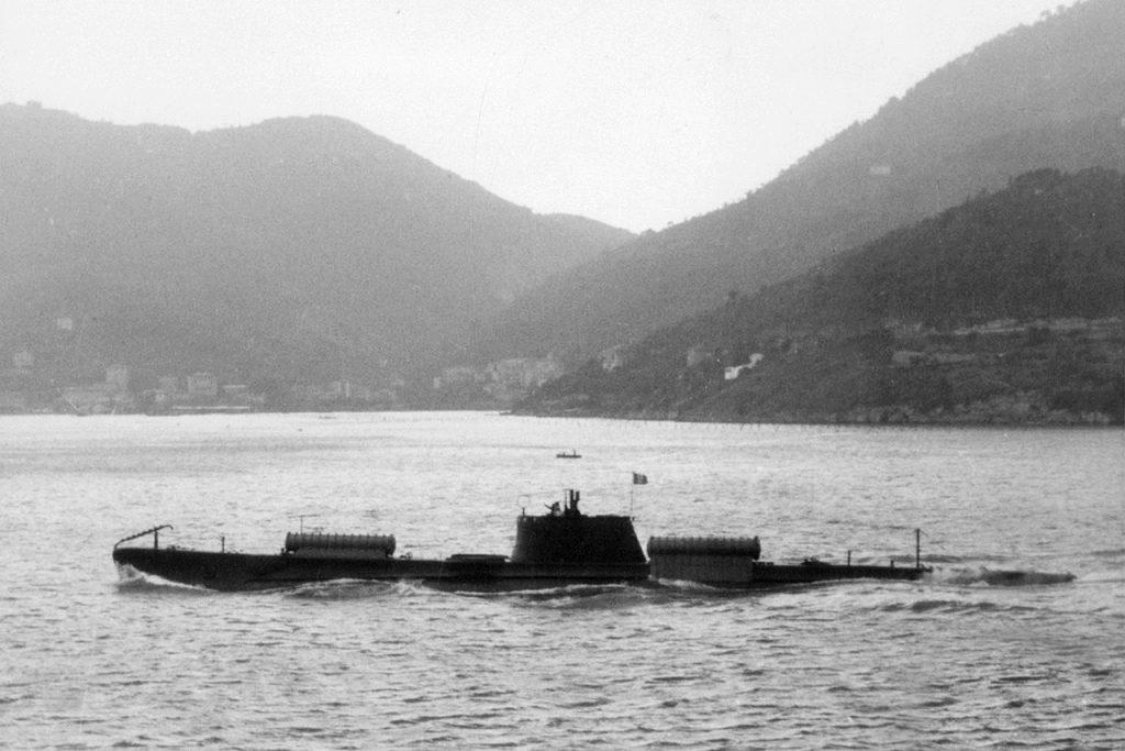 Questa immagine ha l'attributo alt vuoto; il nome del file è 190209-italian-submarine-scire-with-slc-containers-2-1024x683.jpg