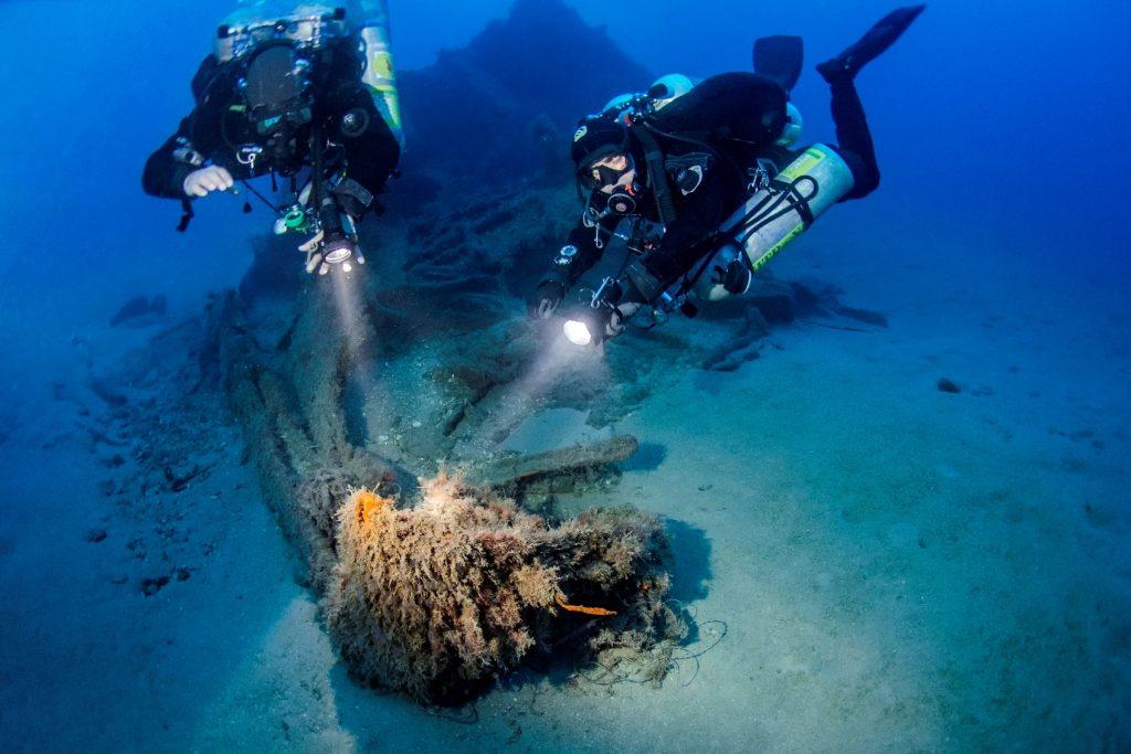 Recensione: L'affondamento del sommergibile italiano Scirè: analisi storica e subacquea di Fabio Ruberti