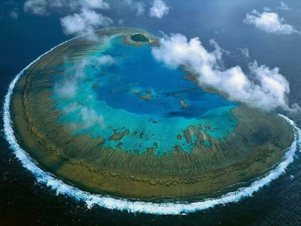 Questa immagine ha l'attributo alt vuoto; il nome del file è atollo-great-australian-barrier.jpg