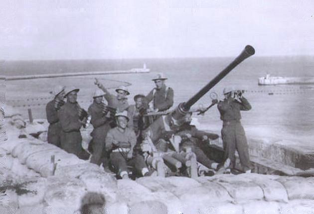Questa immagine ha l'attributo alt vuoto; il nome del file è malta-artiglieria-anti-aerea.jpg