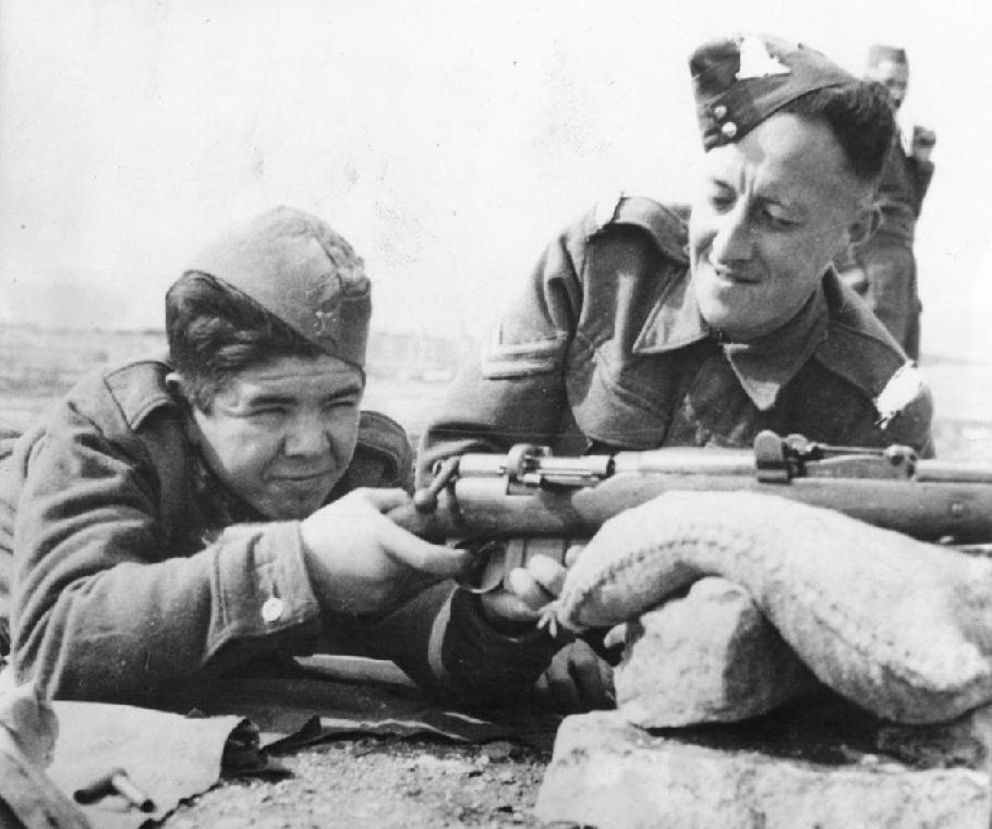 Questa immagine ha l'attributo alt vuoto; il nome del file è malta-soldier-in-training.jpg