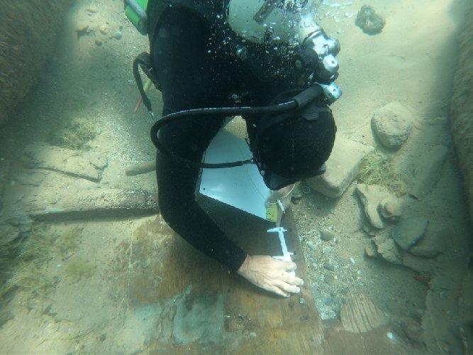 Questa immagine ha l'attributo alt vuoto; il nome del file è nave-lapidaria-ii-secolo-dc-fondali-di-kamarina.jpg