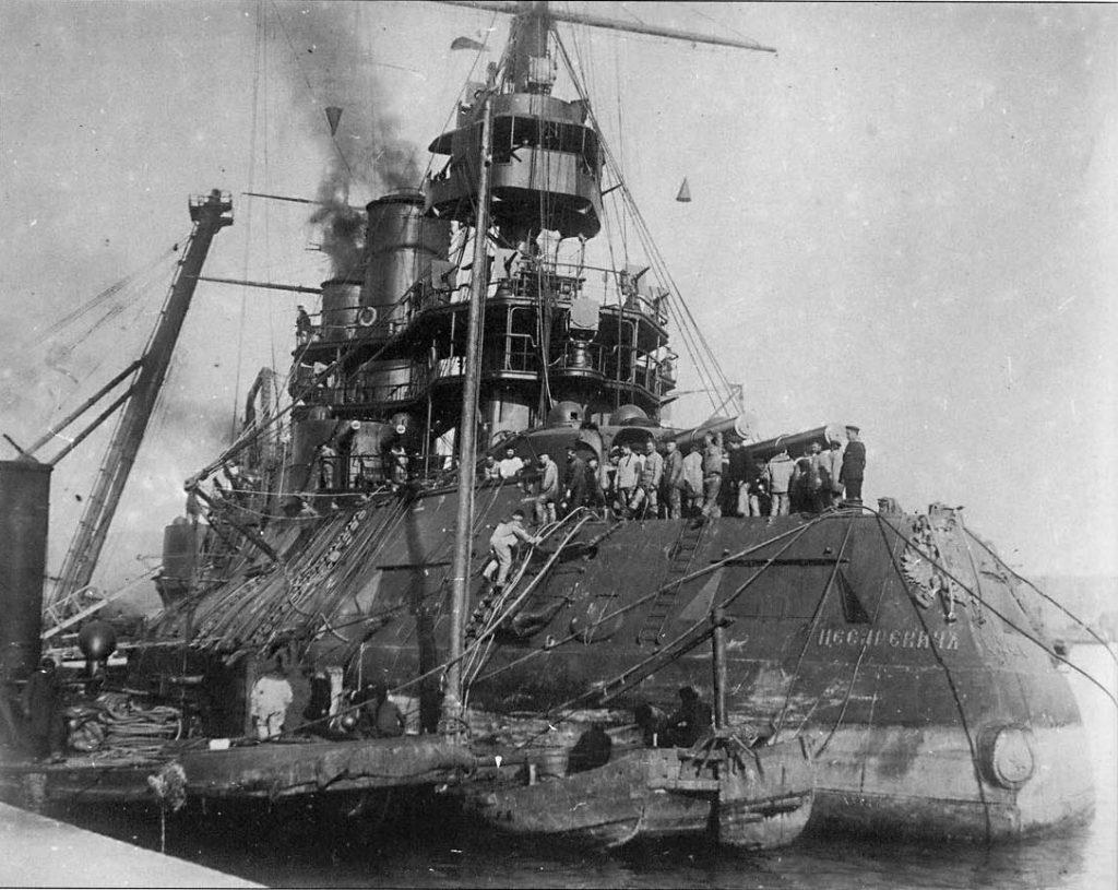 Questa immagine ha l'attributo alt vuoto; il nome del file è Battleship-Tsesarevich-1024x815.jpg
