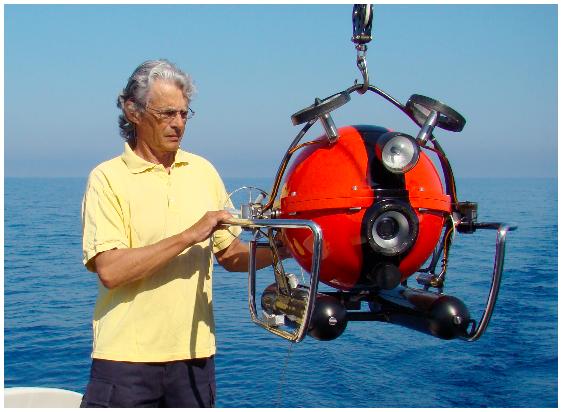 Questa immagine ha l'attributo alt vuoto; il nome del file è guido-gay-robot-pippo-palla-rov-robot-sottomarino-remoto.png