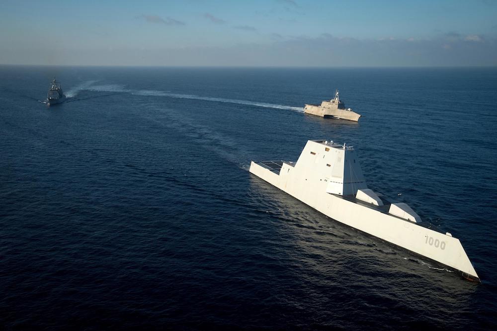 Questa immagine ha l'attributo alt vuoto; il nome del file è USS-zumwalt.jpg