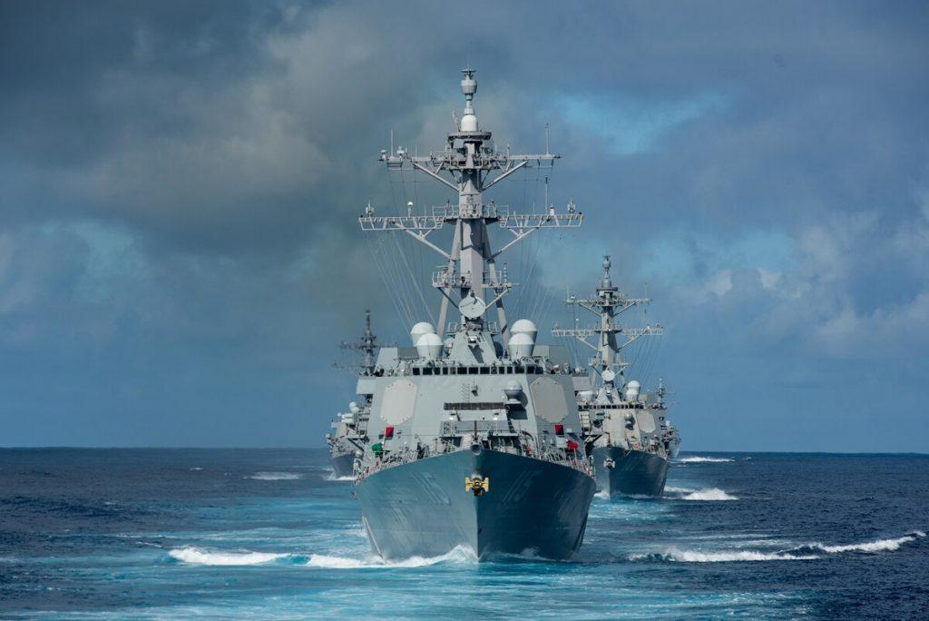 Questa immagine ha l'attributo alt vuoto; il nome del file è us-navy-destroyer-squadron-1024x684.jpg