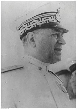 Questa immagine ha l'attributo alt vuoto; il nome del file è ammiraglio-Inigo_Campioni-1878-1944.jpg