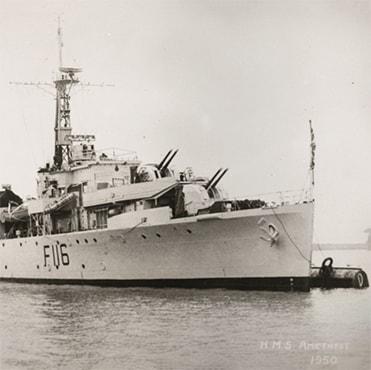 Questa immagine ha l'attributo alt vuoto; il nome del file è HMS-amethist.jpg