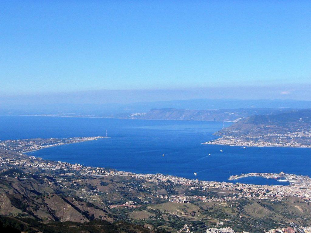 Questa immagine ha l'attributo alt vuoto; il nome del file è Messina-stretto-1024x768.jpg