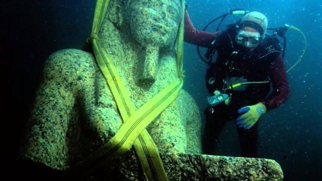 Questa immagine ha l'attributo alt vuoto; il nome del file è archaeologists-discovered-herakleion-1024x576.jpg