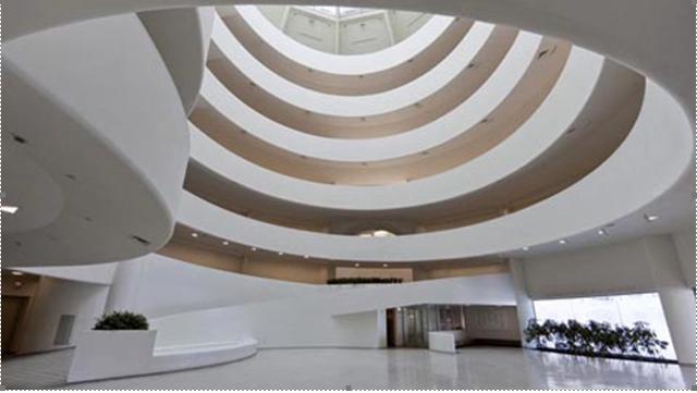 Questa immagine ha l'attributo alt vuoto; il nome del file è guggenheim-museum-new-york.png