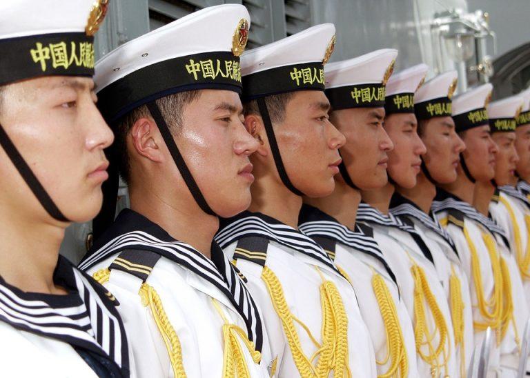 Questa immagine ha l'attributo alt vuoto; il nome del file è marinai-cinesi-a-gibuti.jpg