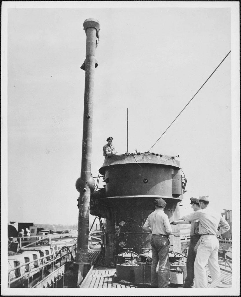 Questa immagine ha l'attributo alt vuoto; il nome del file è u-boat-german-832x1024.jpg