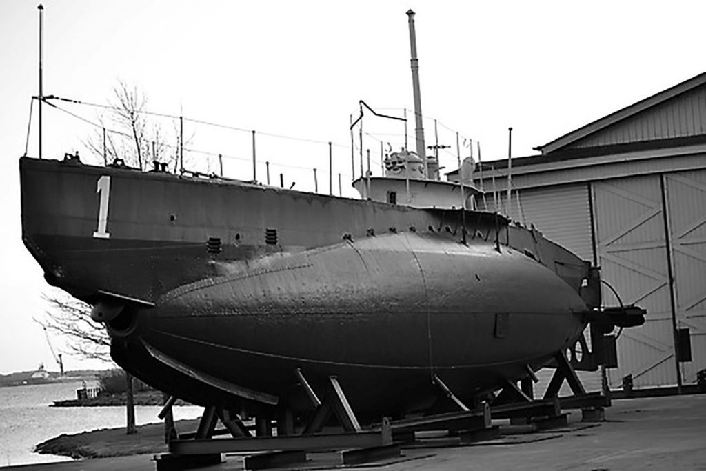 Questa immagine ha l'attributo alt vuoto; il nome del file è HMS-Hajen-1024x683.jpg