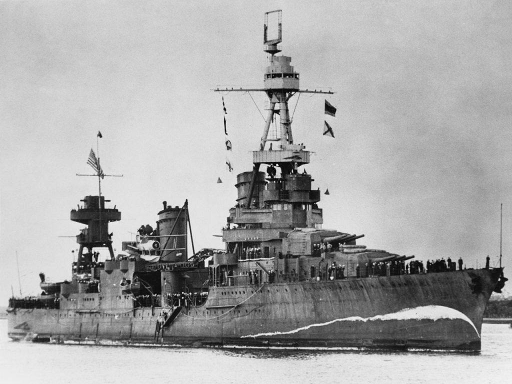 Questa immagine ha l'attributo alt vuoto; il nome del file è USS_Northampton_CA-26_at_Brisbane_on_5_August_1941_NH_94596-1024x769.jpg