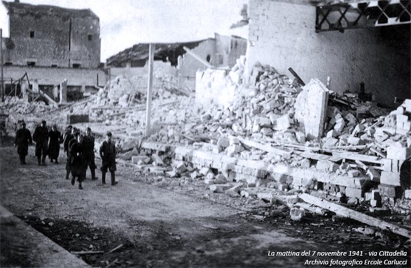 Questa immagine ha l'attributo alt vuoto; il nome del file è bombardamenti-brindisi-1940-1.png