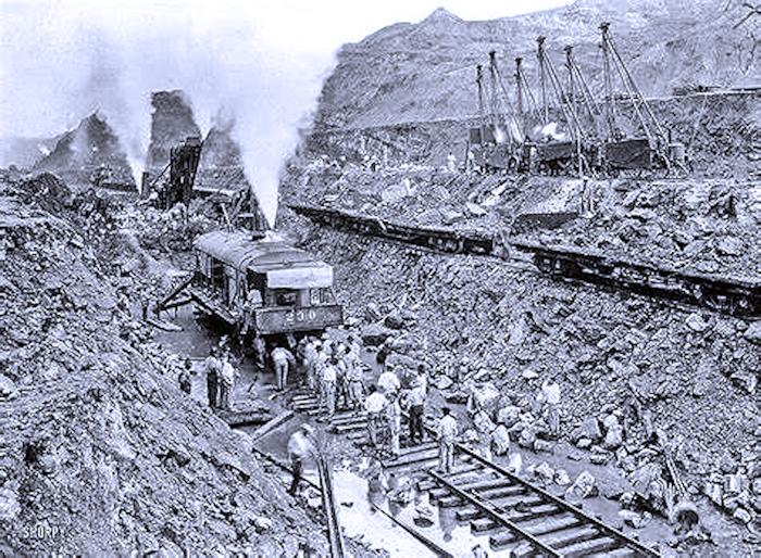 Questa immagine ha l'attributo alt vuoto; il nome del file è costruzione-canale-di-Panama.png