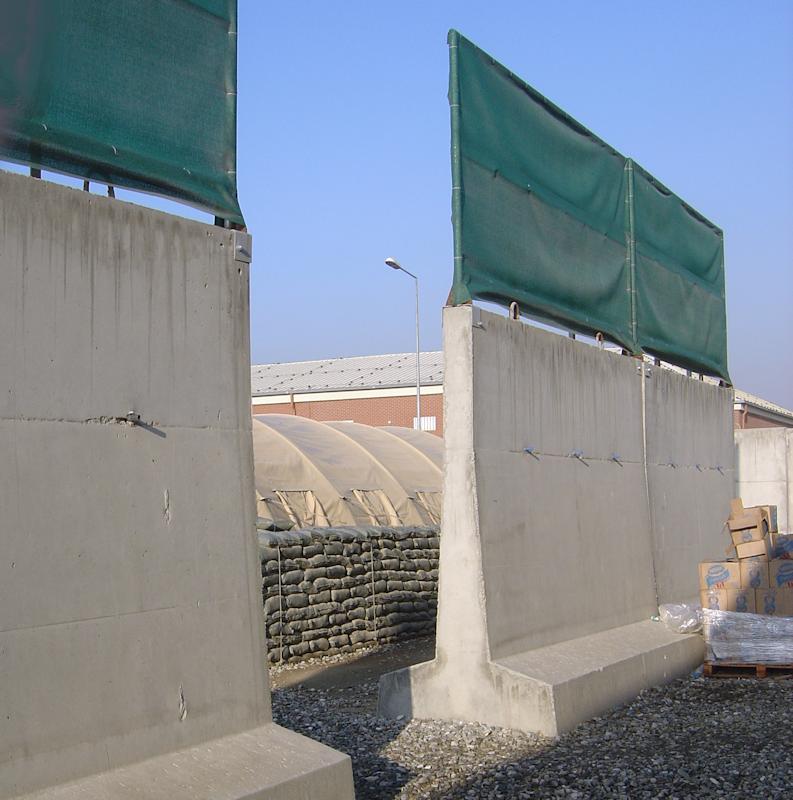 Questa immagine ha l'attributo alt vuoto; il nome del file è kabul-wall.png