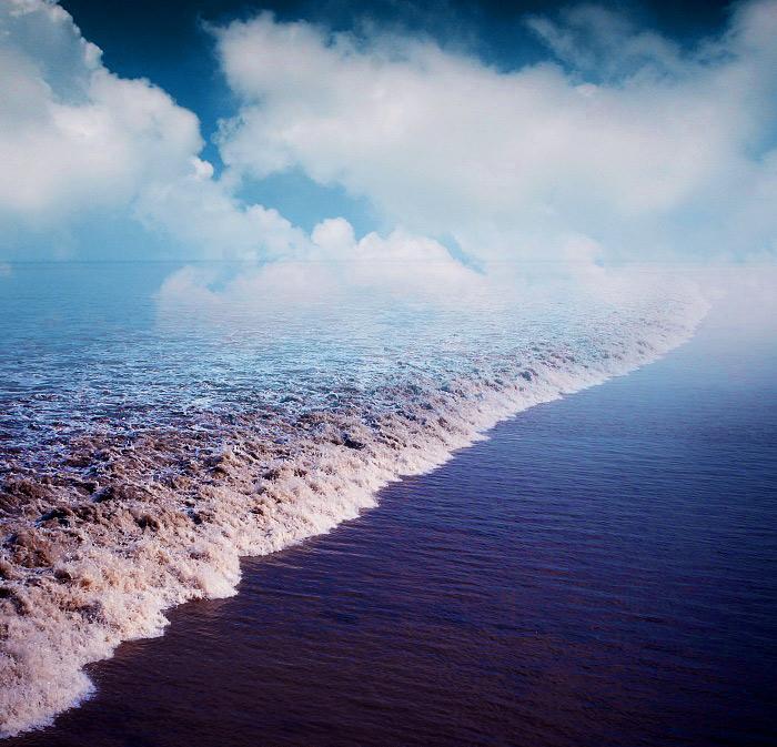 Questa immagine ha l'attributo alt vuoto; il nome del file è qiantang-river-tide-768-4.jpg