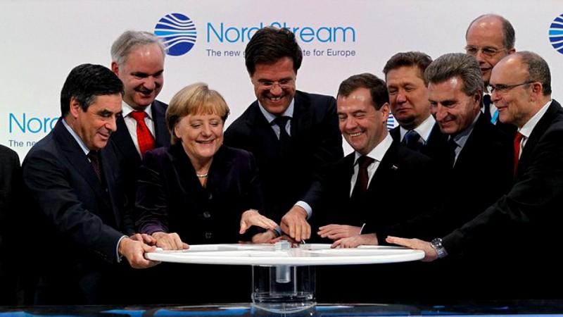 Questa immagine ha l'attributo alt vuoto; il nome del file è Nord_Stream_ceremony.jpeg