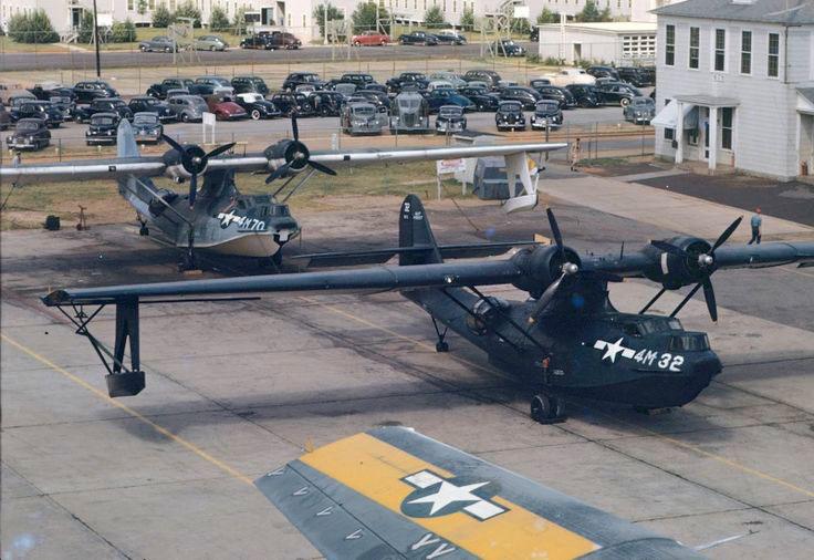 Questa immagine ha l'attributo alt vuoto; il nome del file è PBY5s-1944-NAS_Pensacola.jpg