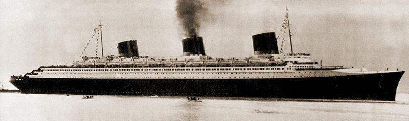 Questa immagine ha l'attributo alt vuoto; il nome del file è SS-Normandie_side01_NYC.jpg