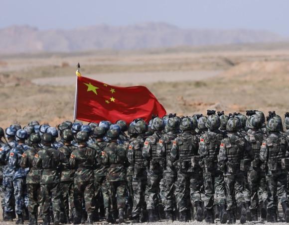Questa immagine ha l'attributo alt vuoto; il nome del file è cinesi-150821-Li-Gobbi-1.jpg