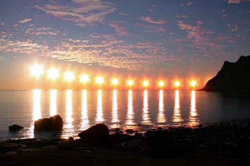 Questa immagine ha l'attributo alt vuoto; il nome del file è sole-di-mezzanotte.png