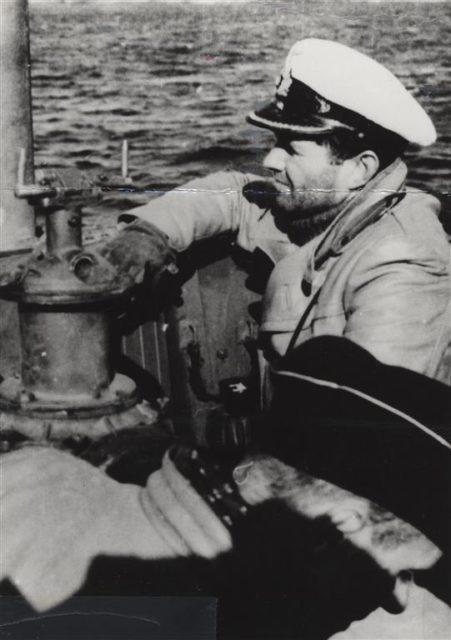 Questa immagine ha l'attributo alt vuoto; il nome del file è Kapitan-Leutnant-zur-See-KptLtzS.-Peter-Schrewe.jpg