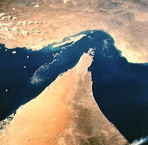 Hormuz, Bab al Mandab e Suez, i tre stretti che hanno fatto, e fanno, la storia dei nostri tempi - parte II di Andrea Mucedola