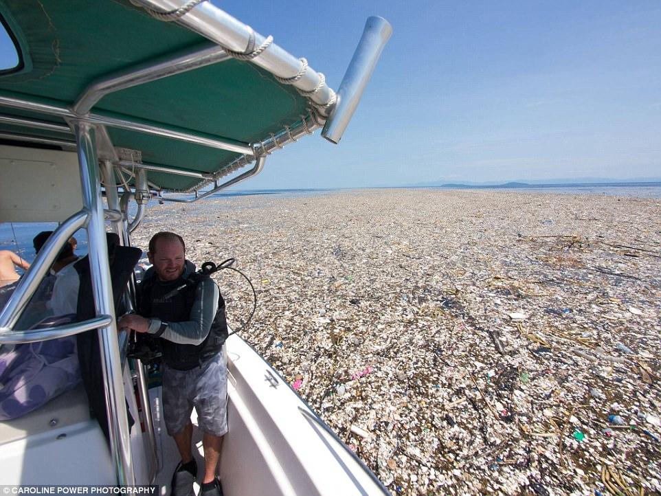 Un nuovo allarme da Roatan, un paradiso tropicale attaccato dalla plastica