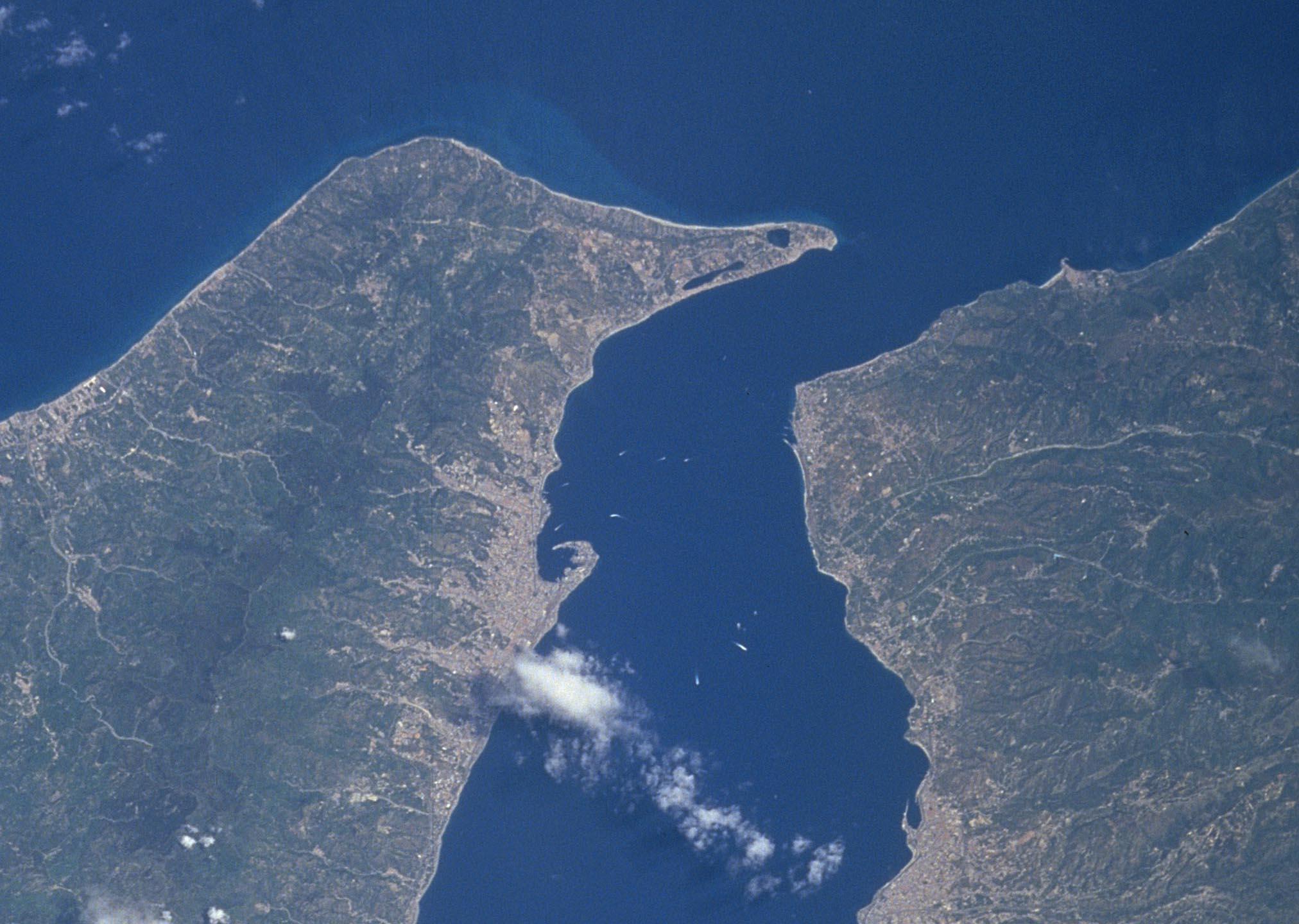 Geomorfologia dello stretto di Messina di Angelo Vazzana