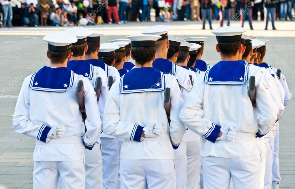 La divisa del marinaio: tradizione e praticità di Paolo Giannetti